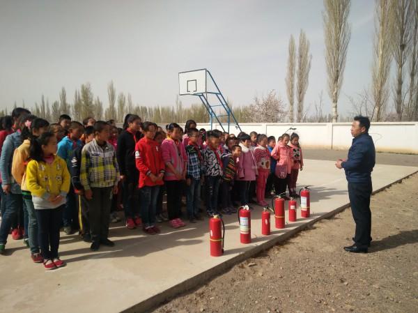 【甘浚镇】居安思危,防患于未然——甘浚镇头号小学举行消防安全演练