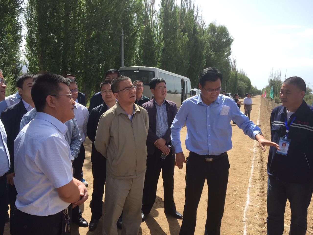 省交通运输厅康军厅长视察甘州区农村公路建设