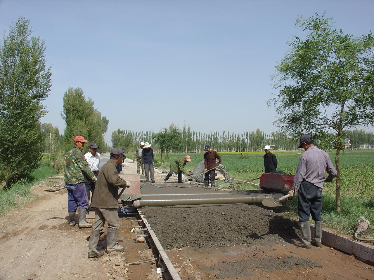 甘州区2016年农村公路建设加快步伐推进