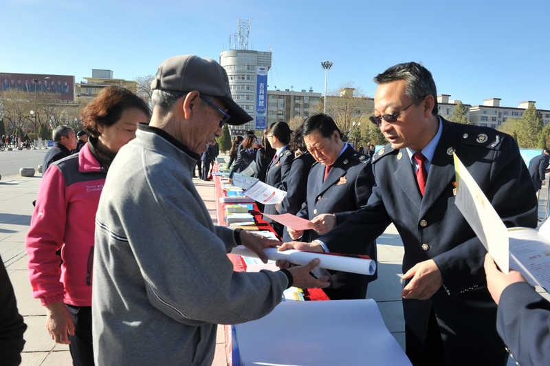 甘州国地税联合启动第26个全国税收宣传月活动
