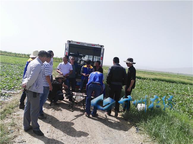 甘州区碱滩镇开展植保无人机演习