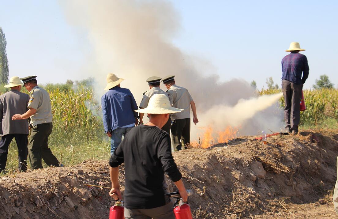 甘州区举行农机事故应急救援预案演练