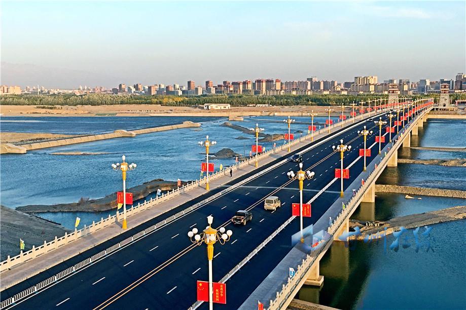 张掖滨河新区黑河大桥建成通车