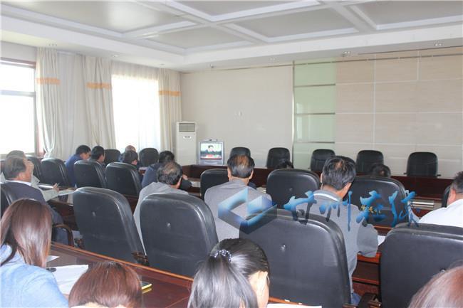 甘州区党寨镇组织收看全省精准脱贫暨双联行动考核表彰视频会议