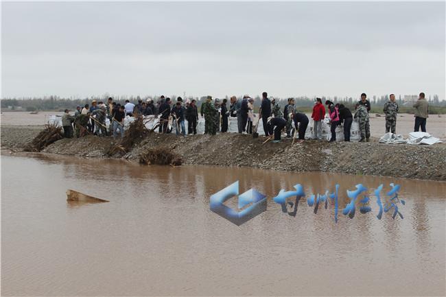 甘州区乌江镇:防汛一线显党性 抢险救灾为人民