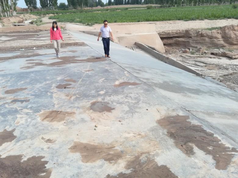 甘州区农村经营管理局全力以赴抓防汛