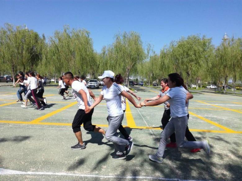 """张掖国家湿地公园成功举办""""庆七一、展风采、讲奉献""""趣味运动会"""