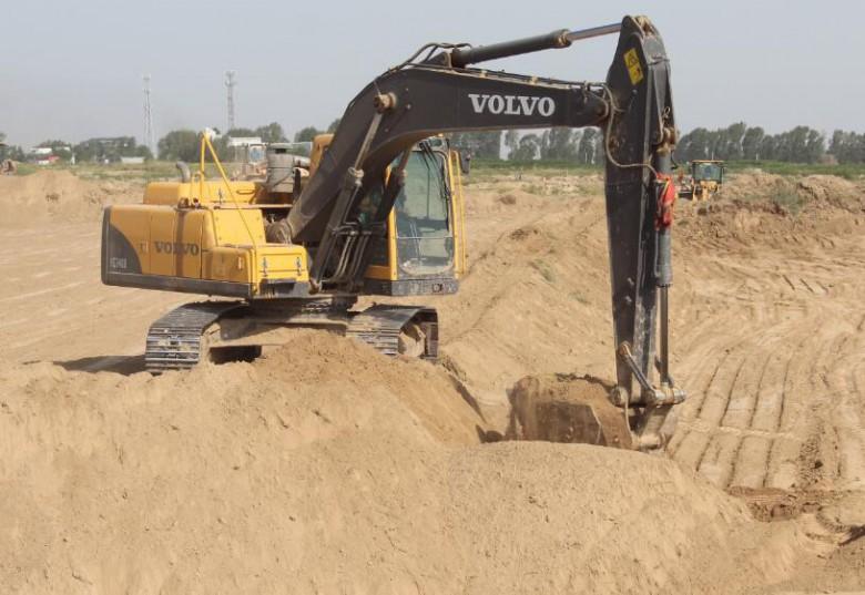 甘州区安阳乡贺家城村:高标准农田建设正在进行时