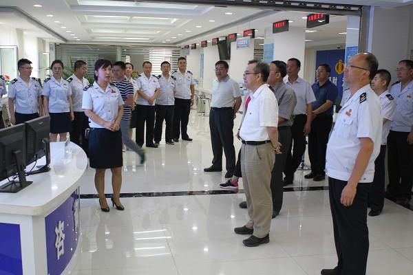省局领导深入甘州区地方税务局走访慰问基层一线干部职工