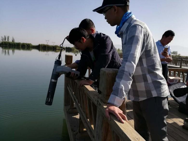 国家高原湿地研究中心专家来我区开展国际重要湿地生态监测工作