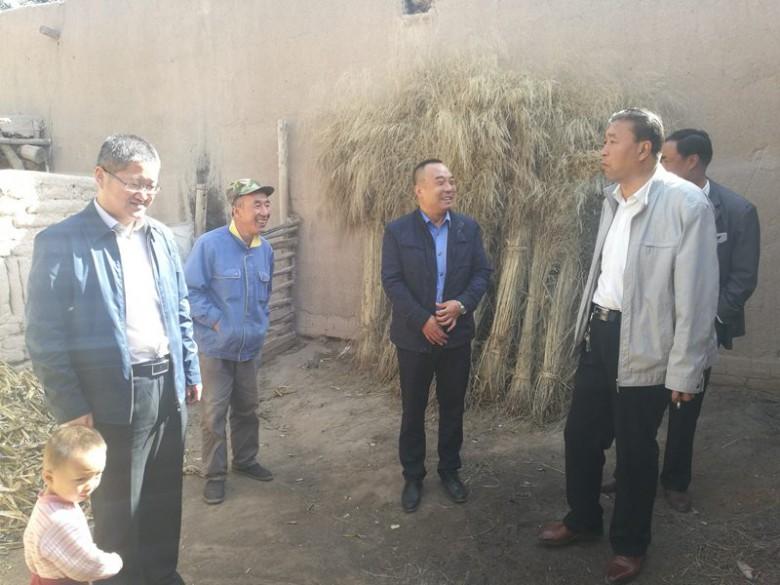 区工商质监局赴沙井镇开展扶贫攻坚对接工作