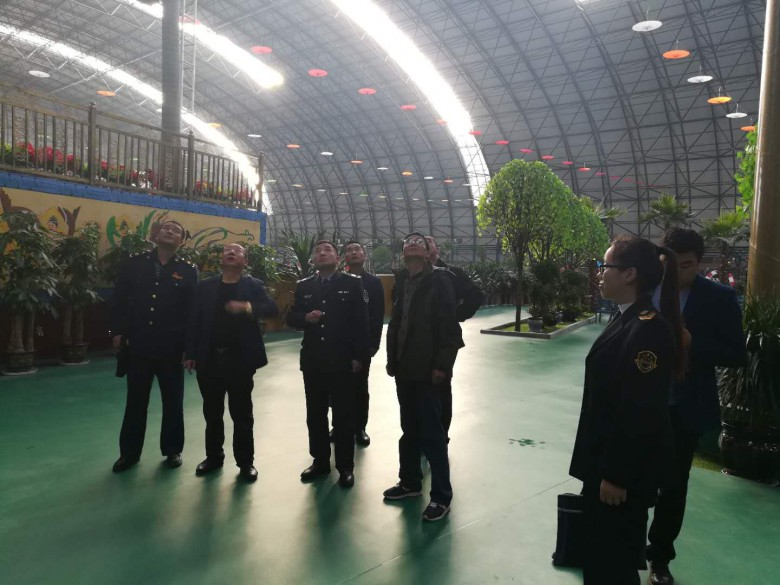 区安委办联合多部门对富来登温泉水乐园进行安全检查