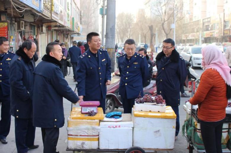 """甘州区工商质监局扬""""红盾""""精神""""亮剑""""两节市场"""