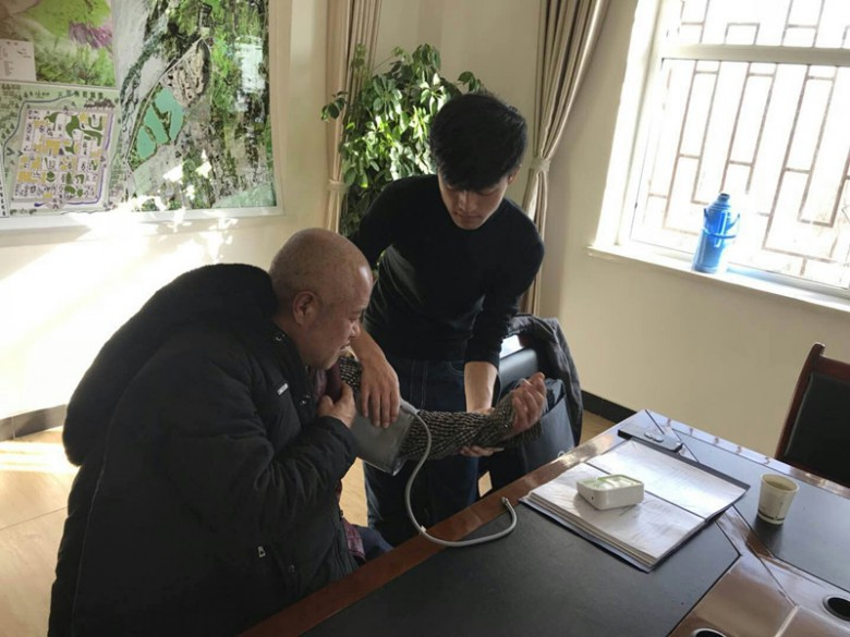 省健促会健康管理中心赵志龙老师前来张掖国家湿地公园进行健康知识讲座