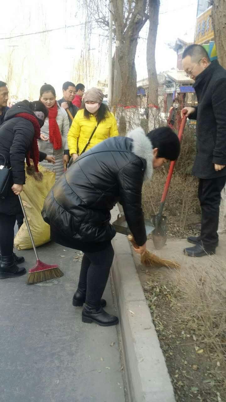 甘州区南街:清理整治见实效、扮靓家园庆佳节