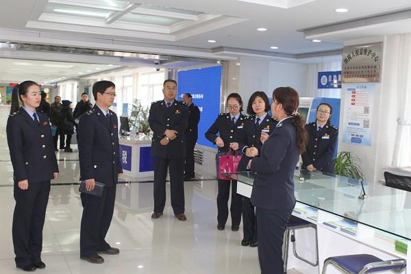 临泽县国地税联合观摩团到甘州区国地税局开展学习交流