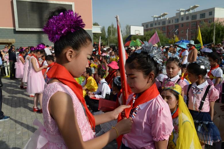 """长安镇中心学校开展""""拥抱新时代 放飞新梦想""""庆祝""""六一"""" 儿童节活动"""