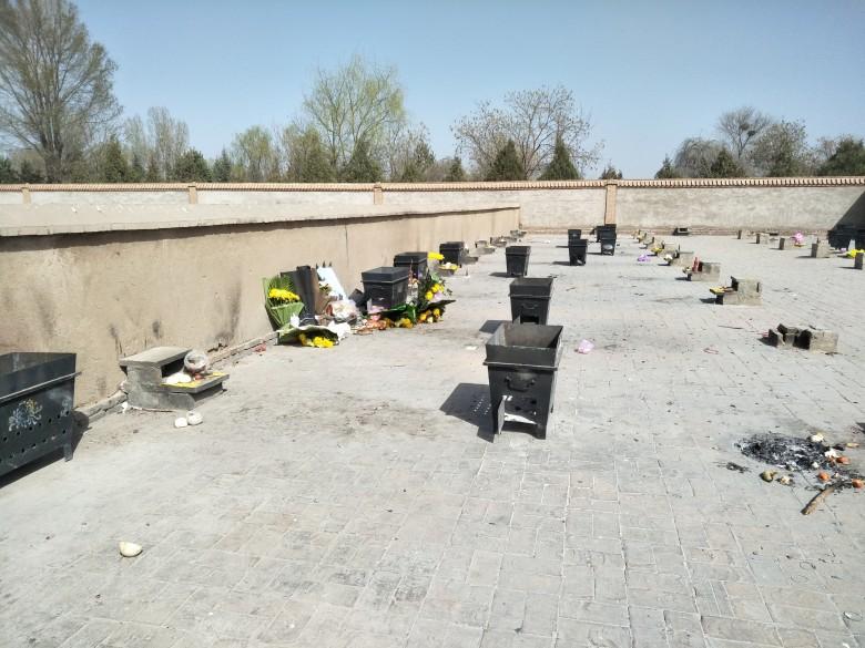 甘州区殡仪馆转变工作作风新修祭奠园一处